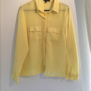 Tops - Butter Yellow career blouse 🍋